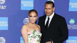 Jennifer Lopez, Alex Rodriguez are posing for a picture