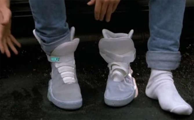 Slide 9 de 11: Tudo bem que ainda não existem tênis que se amarram sozinhos, mas a Nike surpreendeu ao lançar modelos limitados e extremamente parecidos com os que Marty usa no filme.