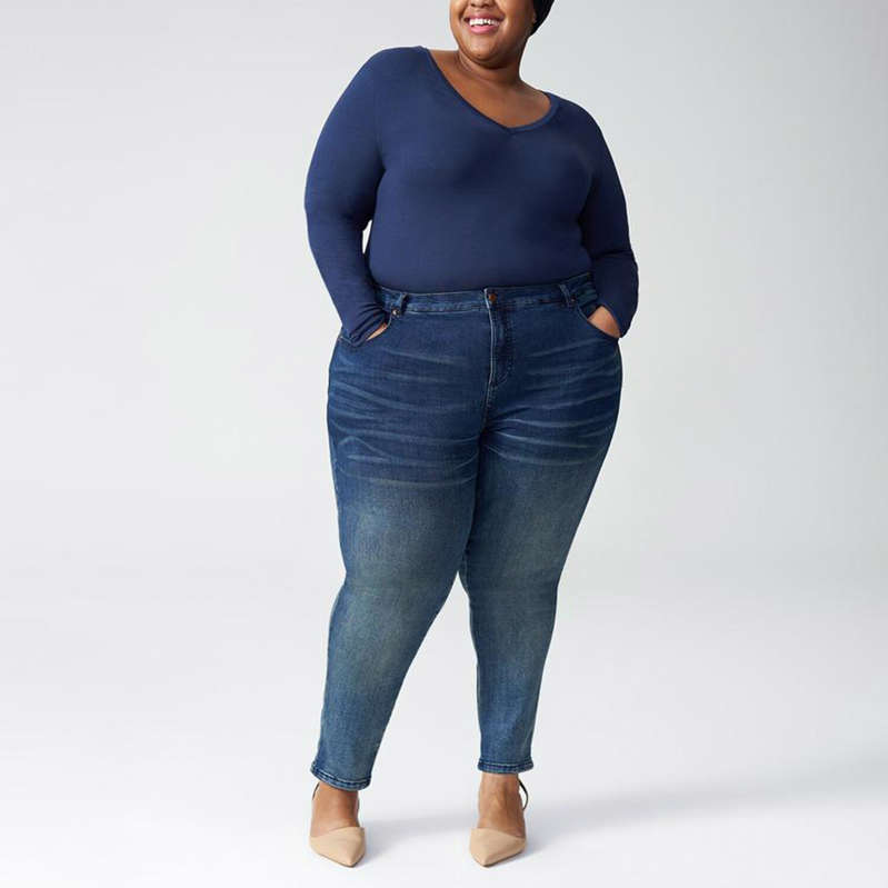 a person posing for a picture: Jeans