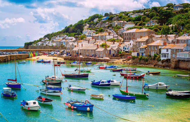 Slide 6 of 32: Cornwall on England's southwest coast is the area least likely to receive snowfall, with an average of just 7.4 days of snow or sleet falling there per year.