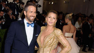 Ryan Reynolds, Blake Lively posing for the camera