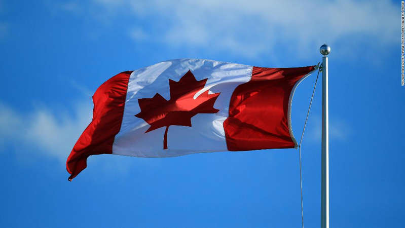 CNN UK travel ban: These countries impose new restrictions  CNN Staff 1 hour ago 'Fighting for our lives': Canada's theatre industry tries to plan for uncertain… Jim Clyburn: From pivotal endorsement to Cabinet advice, he is  BB1c7zv2