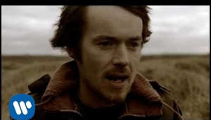 "Damien Rice looking at the camera: © 2010 WMG Official video for Damien Rice's song ""The Blower's Daughter,"" from his album O.  The song was featured in the film ""Closer."" The video features scenes from the film.  Follow Damien Rice on: Facebook https://DamienRice.lnk.to/Facebook Twitter https://DamienRice.lnk.to/Twitter  Instagram https://DamienRice.lnk.to/Instagram YouTube https://DamienRice.lnk.to/YouTube  https://DamienRice.lnk.to/Website"