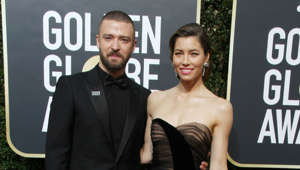 Justin Timberlake, Jessica Biel are posing for a picture