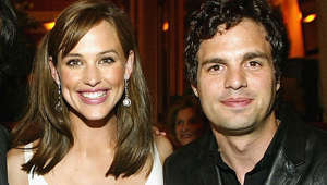 a close up of Jennifer Garner, Mark Ruffalo posing for the camera