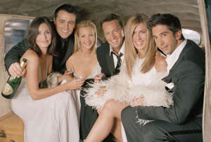 Courteney Cox, Matt LeBlanc, Lisa Kudrow, Matthew Perry, Jennifer Aniston, David Schwimmer posing for the camera: HBO Max brokered a reported $425 million deal for all episodes of '90s hit Friends, which exited Netflix to start streaming on HBO Max at launch. NBC