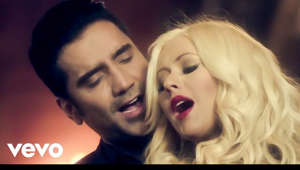 iTunes: http://bit.ly/137msp4 Amazon:  http://amzn.to/13BjixW  Music video by Alejandro Fernández ft. Christina Aguilera performing Hoy Tengo Ganas De Ti. (C) 2013 Universal Music Latino