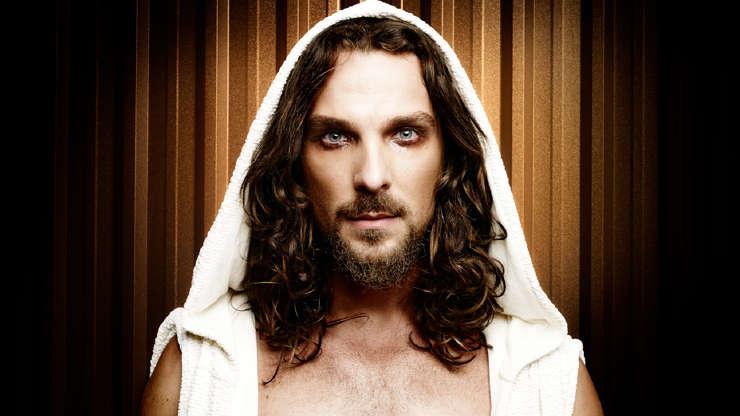"""Slide 5 de 23: Em 2014 o ator Igor Rickli estreava o musical 'Jesus Cristo Superstar"""". Na época, foi alvo de religiosos que chegaram a dizer que a peça era uma blasfêmia."""