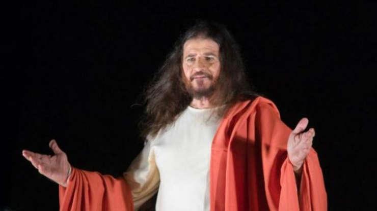 """Slide 11 de 23: O ator pernambucano José Pimentel é o que se pode chamar de """"eterno Jesus"""". Na sua trajetória, interpretou, até os 83 anos, o filho de Deus. Ou seja, 40 anos seguidos, 19 deles em Nova Jerusalém e 21 na Paixão de Cristo do Recife."""