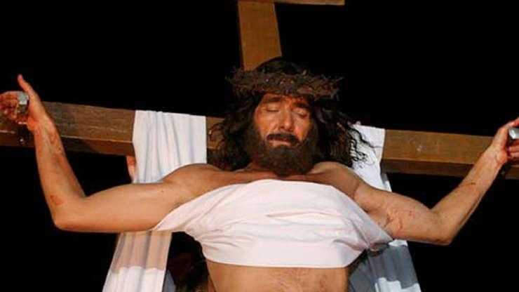 Slide 13 de 23: Em 2007, Alexandre Borges interpretou Jesus numa apresentação no autódromo de Interlagos, em São Paulo.