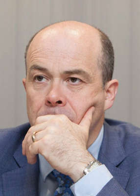 Denis Naughten wearing a suit and tie: Pic: Leah Farrell/RollingNews.ie