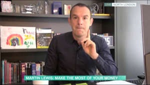 a man standing in front of a book shelf: This Morning: Martin Lewis discusses Help to Save scheme