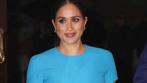 Meghan Markle in a blue shirt: Meghan Markle 'testing waters' with book says expert