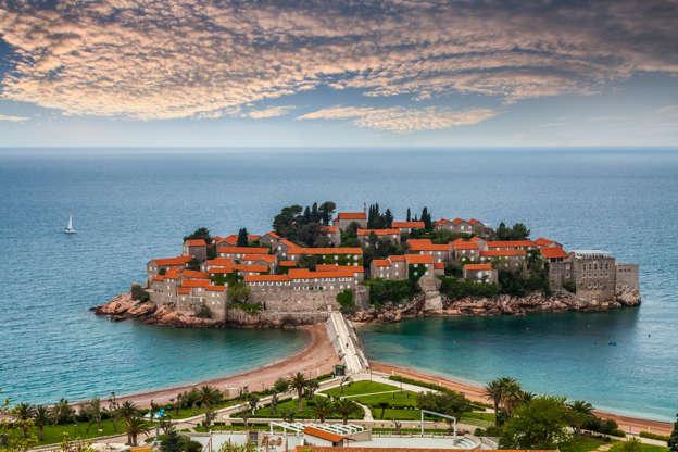 Διαφάνεια 2 από 13: Sveti Stefan, Montenegro