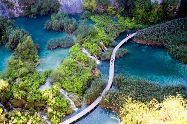 Διαφάνεια 1 από 13: Plitvice Lakes National Park, Croatia