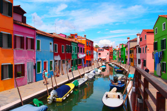 Slide 1 de 20: Burano is island in Venetian Lagoon, northern Italy.