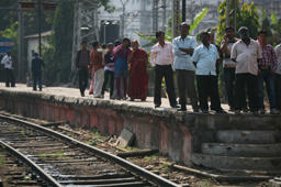 Alert driver averts train mishap in Mumbai suburb