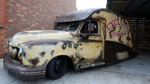 Taxi transformed into rat-rod in seven days