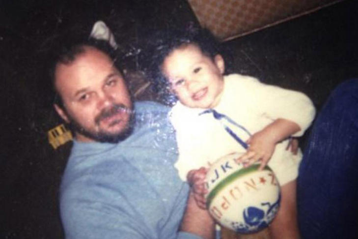 Ms Markle with her father when she was a young child