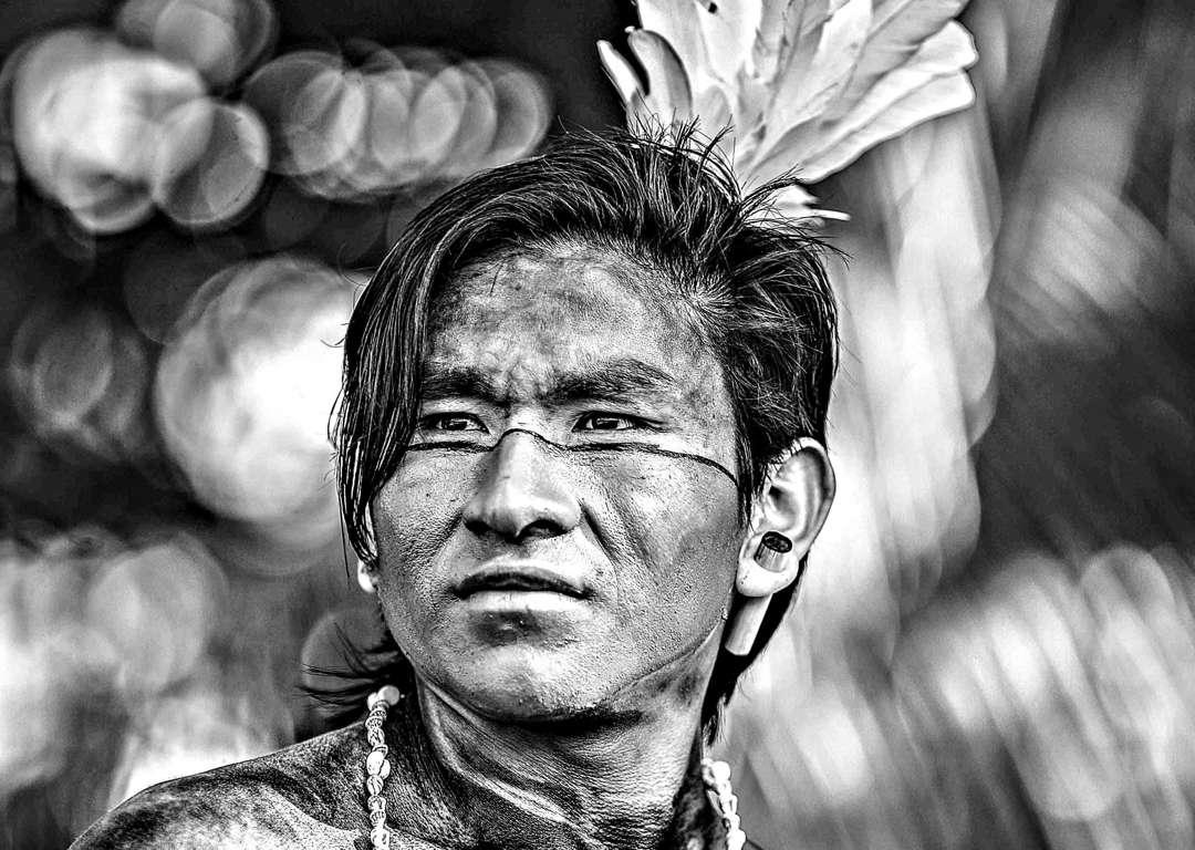 Fotógrafo registra tribos indígenas brasileiras em imagens deslumbrantes