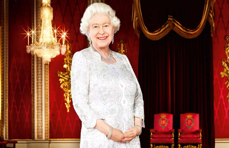 Inside Queen Elizabeth And The Royal Familys Private Homes