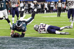 The Eagles' Zach Ertz scores the game winning touchdown in the 4th quarter of Super Bowl LII on Sunday in Minneapolis, MN. The Eagles defeated the Patriots 41-33.