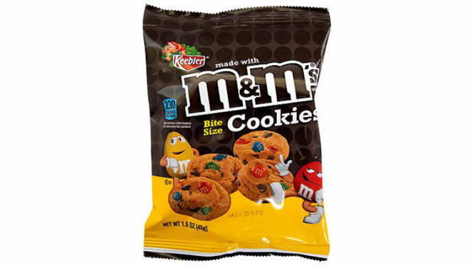 """Slide 4 of 22: <p><strong>Cost:</strong> $0.98</p><p>Indulge yourself in chocolatey deliciousness from Walmart without spending even a small fortune. Then read up on <a href=""""https://www.gobankingrates.com/making-money/bet-didnt-know-huge-corporations-own-favorite-brands/"""">the huge corporations that own your favorite brands</a> like M&M.</p>"""
