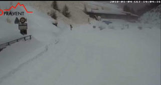 Man walks away from avalanche in Switzerland