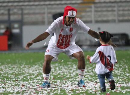 Futbolistas Peruanos Con Sus Adorables Hijos