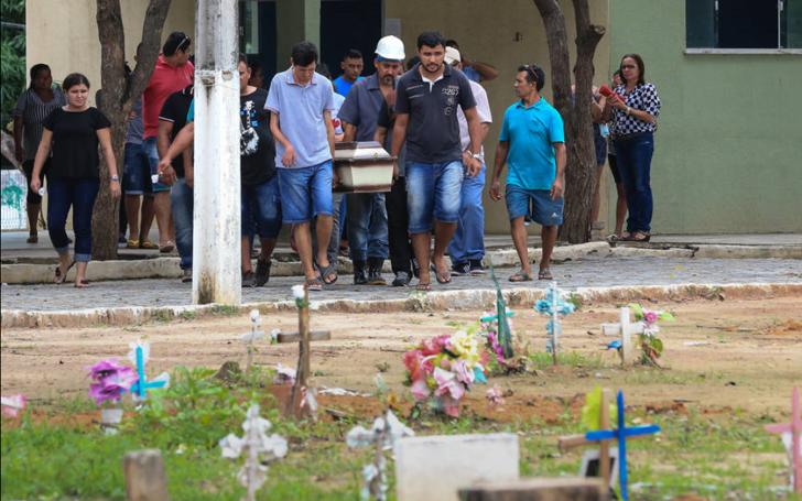 Homem salvou família antes de morrer em chacina