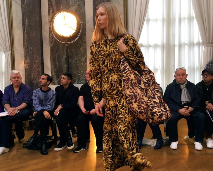 he Victoria Beckham collection is modeled during Fashion Week in New York, Sunday Feb. 11, 2018.