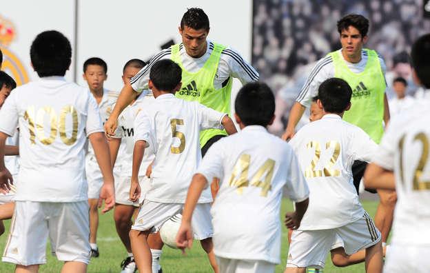 Conheça o lado solidário dos jogadores de futebol a5cb74ddf5420