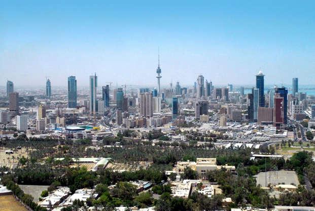 Διαφάνεια 3 από 51: Kuwait city: skyline - modernity in the Gulf - skyscrapers of the business district - photo by M.Torres