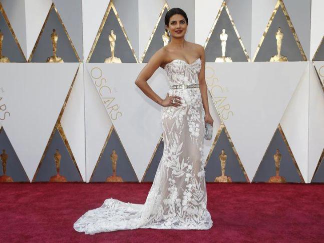 Priyanka Chopra at Oscars 2016 red carpet. Picture courtesy: Reuters