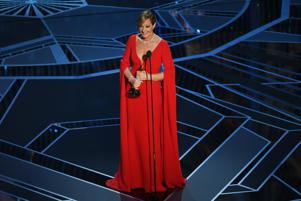 HOLLYWOOD, CA - MARCH 04:  Actor Allison Janney accepts Best Supporting Actress for 'I, Tonya' onstage during the 90th Annual Academy Awards at the Dolby Theatre at Hollywood & Highland Center on March 4, 2018 in Hollywood, California.  (Photo by Kevin Winter/Getty Images)