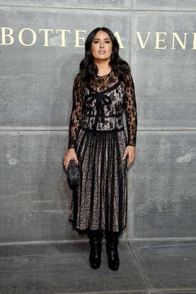 e18df6b50dc6 Los looks de Salma Hayek que querrás llevar