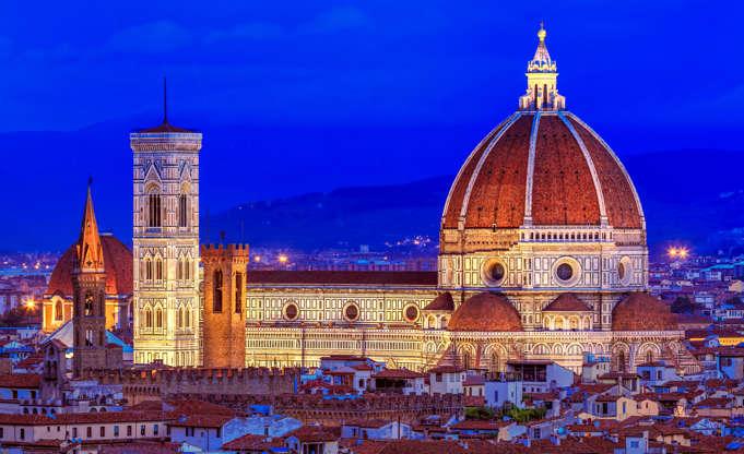 Διαφάνεια 24 από 28: CAPTION: Evening lights illuminate the Duomo Santa Maria Del Fiore in Florence, Tuscany, Italy