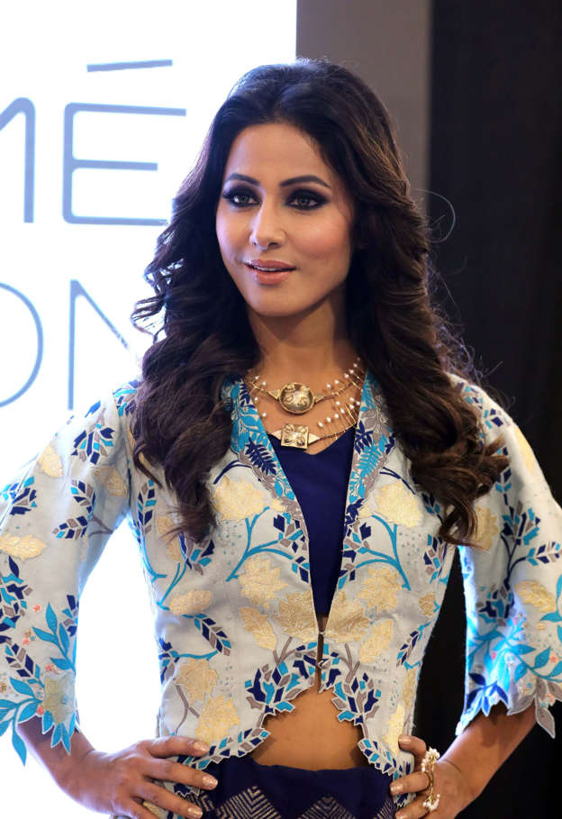 TV actress Hina Khan slams news channel for their report of