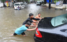 Car swept away after heavy rainfall in Gwalior