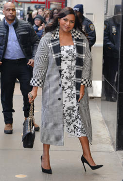 "Slide 26 de 49: NEW YORK, NY - MARCH 09:  Actress Mindy Kaling arrives at ""Good Morning America"" on March 9, 2018 in New York City.  (Photo by Raymond Hall/GC Images)"