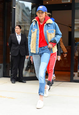 Slide 20 de 49: NEW YORK, NY - MARCH 12:  Model Gigi Hadid is seen walking in Soho  on March 12, 2018 in New York City.  (Photo by Raymond Hall/GC Images)