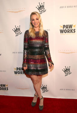 Slide 23 de 49: WESTLAKE VILLAGE, CA - MARCH 10:  Paw Works Celebrity Ambassador/Board Member Kaley Cuoco attends the James Paw 007 Ties & Tails Gala at the Four Seasons Westlake Village on March 10, 2018 in Westlake Village, California.  (Photo by Christopher Polk/Getty Images for Paw Works, Inc.)