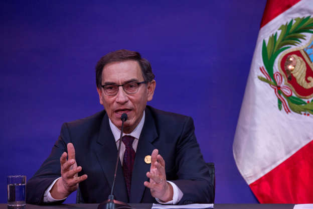Diapositiva 16 de 23: LIMA, PERU - APRIL 14: Martín Vizcarra President of Peru attends a press conference during Day 2 of the VIII Summit of The Americas on April 14, 2018 in Lima, Peru. (Photo by )