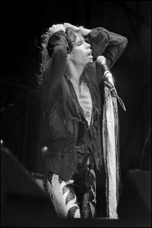 READING, ENGLAND - AUGUST 1976: Singer Steven Tyler of the rock band 'Aerosmith' performs onstage at Reading Festival in August 1976 in England. (Photo by David Corio/Michael Ochs Archives/Getty Images)