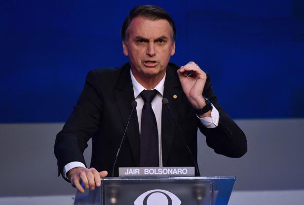 Slide 17 de 18: Brazilian presidential candidate Jair Bolsonaro (PSL), speaks during the first presidential debate ahead of the October 7 general election, at Bandeirantes television network in Sao Paulo, Brazil, on August 9, 2018. (Photo by Nelson ALMEIDA / AFP)        (Photo credit should read NELSON ALMEIDA/AFP/Getty Images)