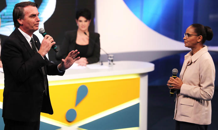Slide 14 de 20: Presidential candidate Jair Bolsonaro of the Party for Socialism and Liberation (PSL) speaks next to candidate Marina Silva of the Brazilian Sustainability Network Party (REDE) during a television debate at the Rede TV studio in Osasco, Brazil August 17, 2018. REUTERS/Paulo Whitaker