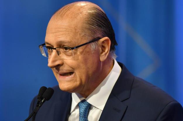 Slide 12 de 20: Geraldo Alckmin durante debate na RedeTV!