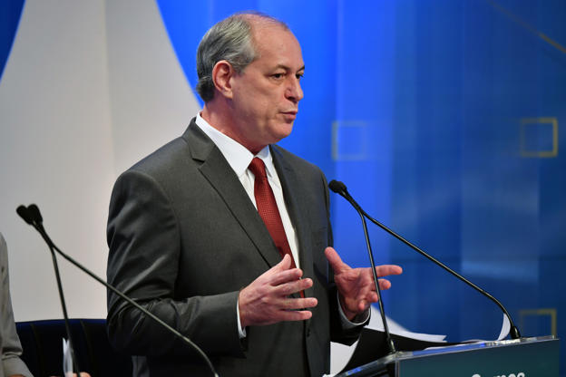 Slide 18 de 20: Brazilian presidential candidate Ciro Gomes (PDT), speaks during the second presidential debate ahead of the October 7 general election, at Rede TV television network in Sao Paulo, Brazil, on August 17, 2018. (Photo by NELSON ALMEIDA / AFP)        (Photo credit should read NELSON ALMEIDA/AFP/Getty Images)
