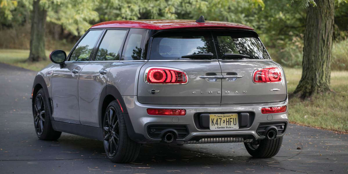 mini cooper clubman jcw video overview interior infotainment cargo space mini cooper clubman jcw video overview