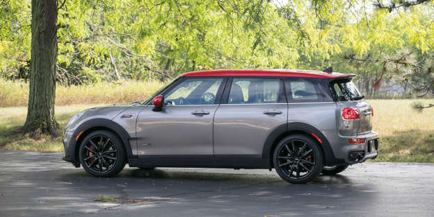 Mini Cooper Clubman JCW – Interior and Passenger Space